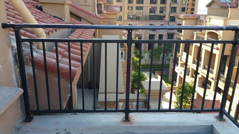 长沙锌钢护栏厂家直销 锌钢栏杆锌钢阳台栏杆镀锌护栏庭院护栏