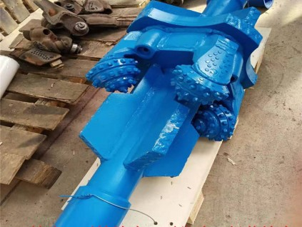 供应旋挖工程钻头500岩石扩孔器组装钻头