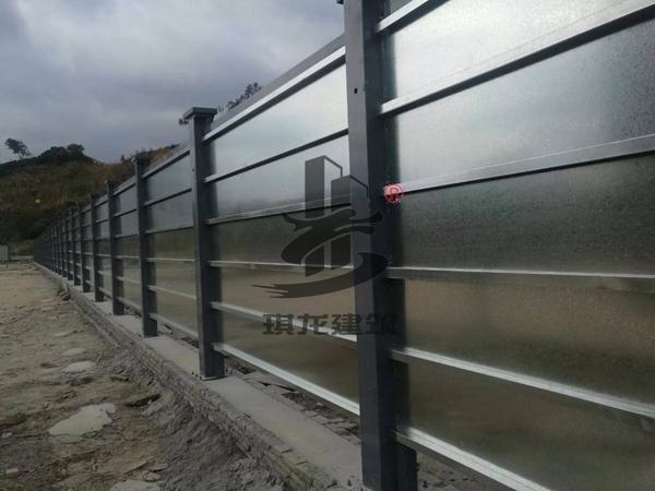 工地标准3米烤漆钢制围挡生产厂家琪龙建筑