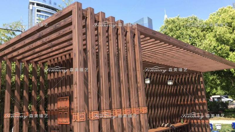 安徽合肥天鹅湖钢结构廊架,木纹漆和湖畔风光的自然结合