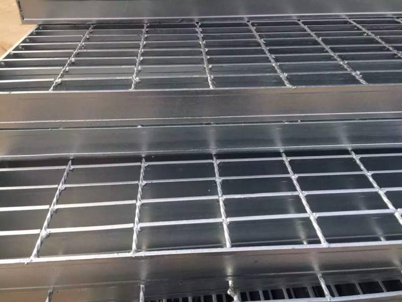 工地平台铁格栅网格板A鹤壁市工地平台铁格栅网格板A东数目