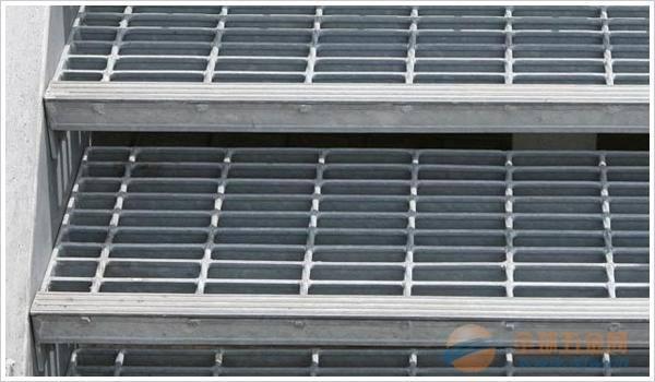 修车平台钢格板度电A昌平区修车平台钢格栅镀电定做钢格栅度电