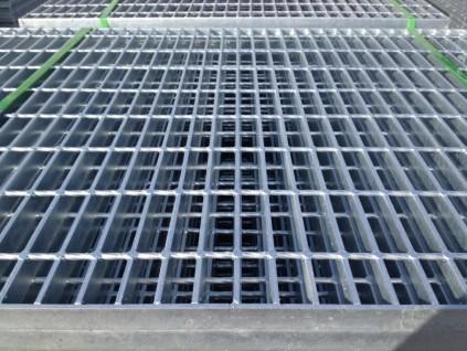 工厂平台过道踏步板栅网格板A伊宁工厂平台过道踏步板栅网格板